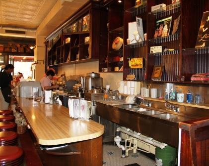 Lagomarcino's Ice Cream Parlor & Confectionery, Quad Cities: A Nostalgic Treat