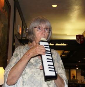 Mouth piano