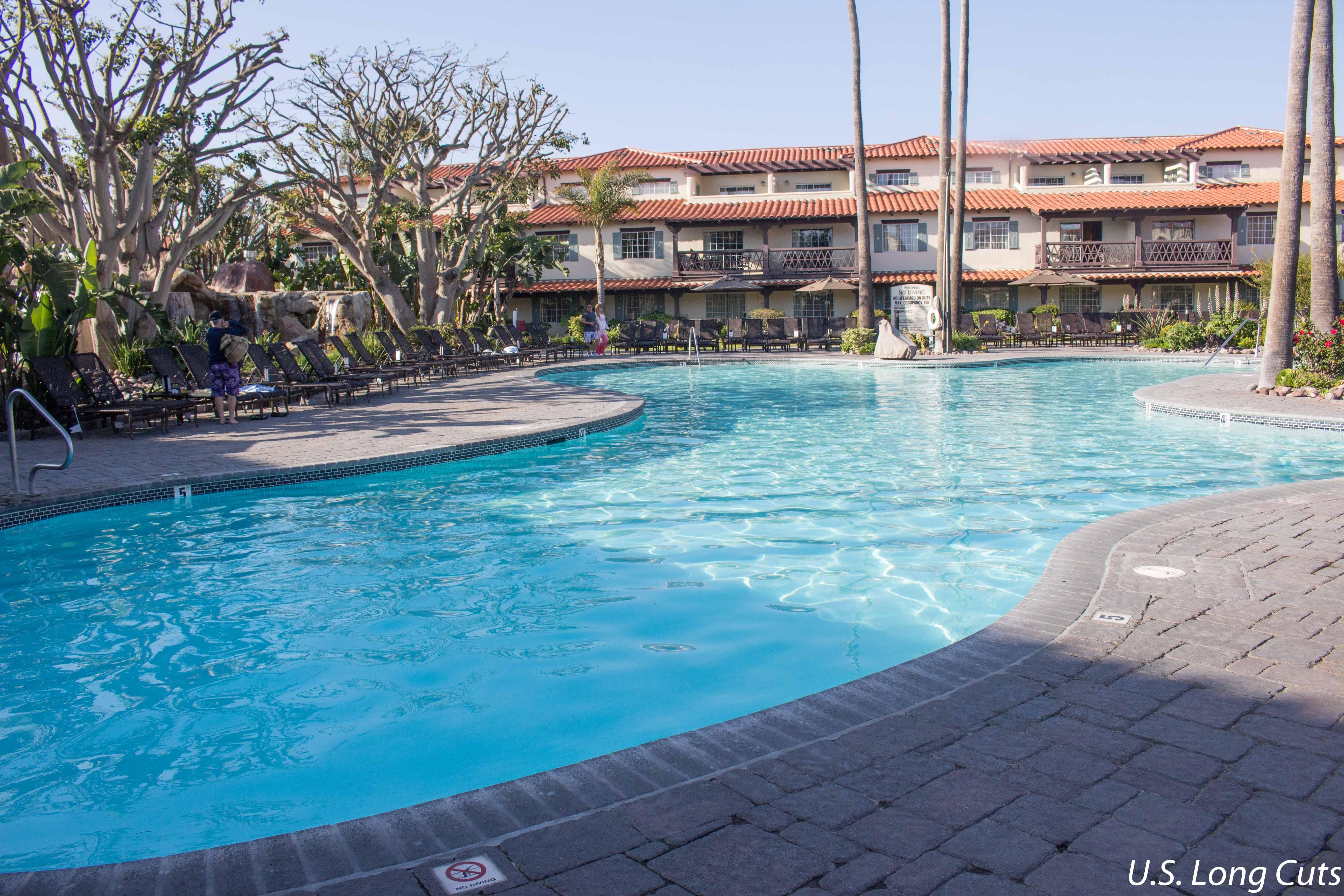 Embassy Suites Mandalay Beach pool