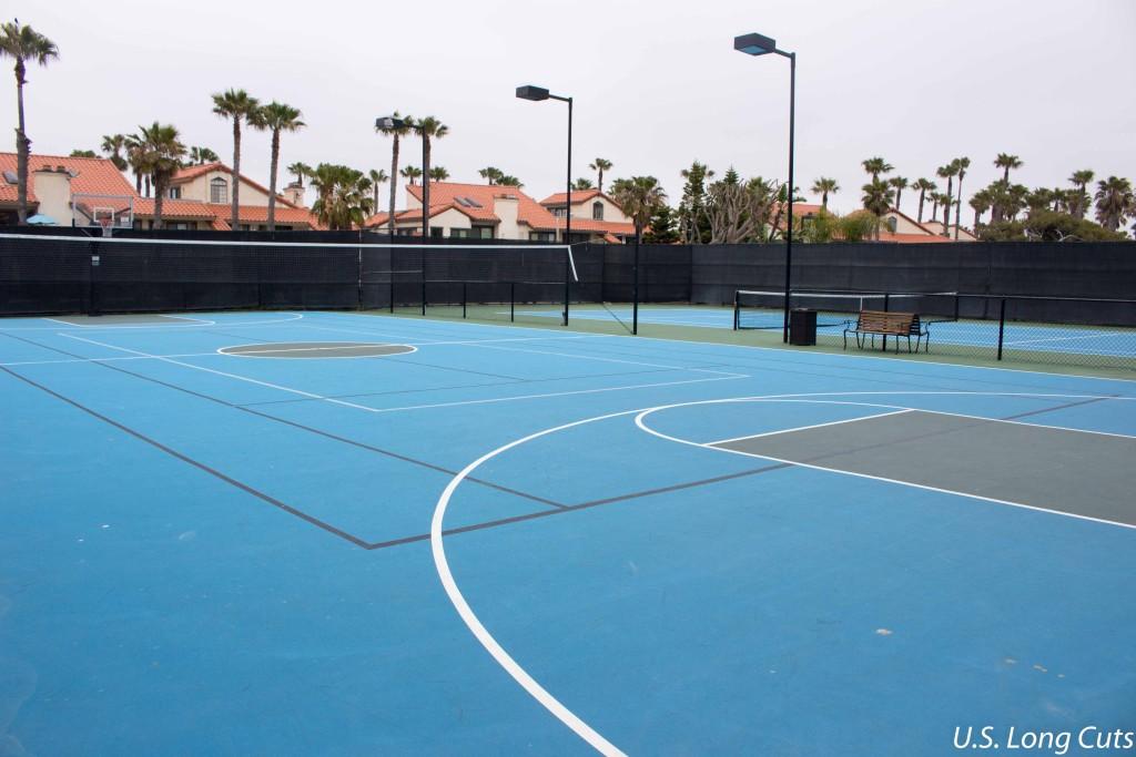 Embassy Suites Mandalay Beach tennis courts