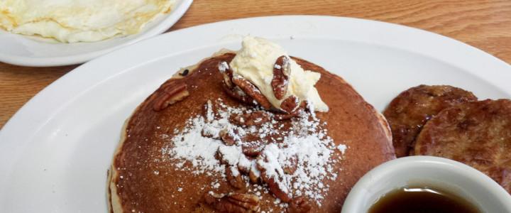 Miss Fitz 260 Café: Pancakes, Eggs and Americana
