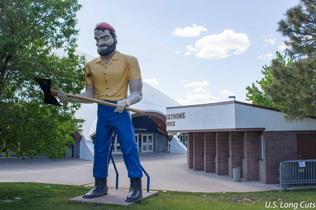 Muffler Men - Paul Bunyan lumberjack