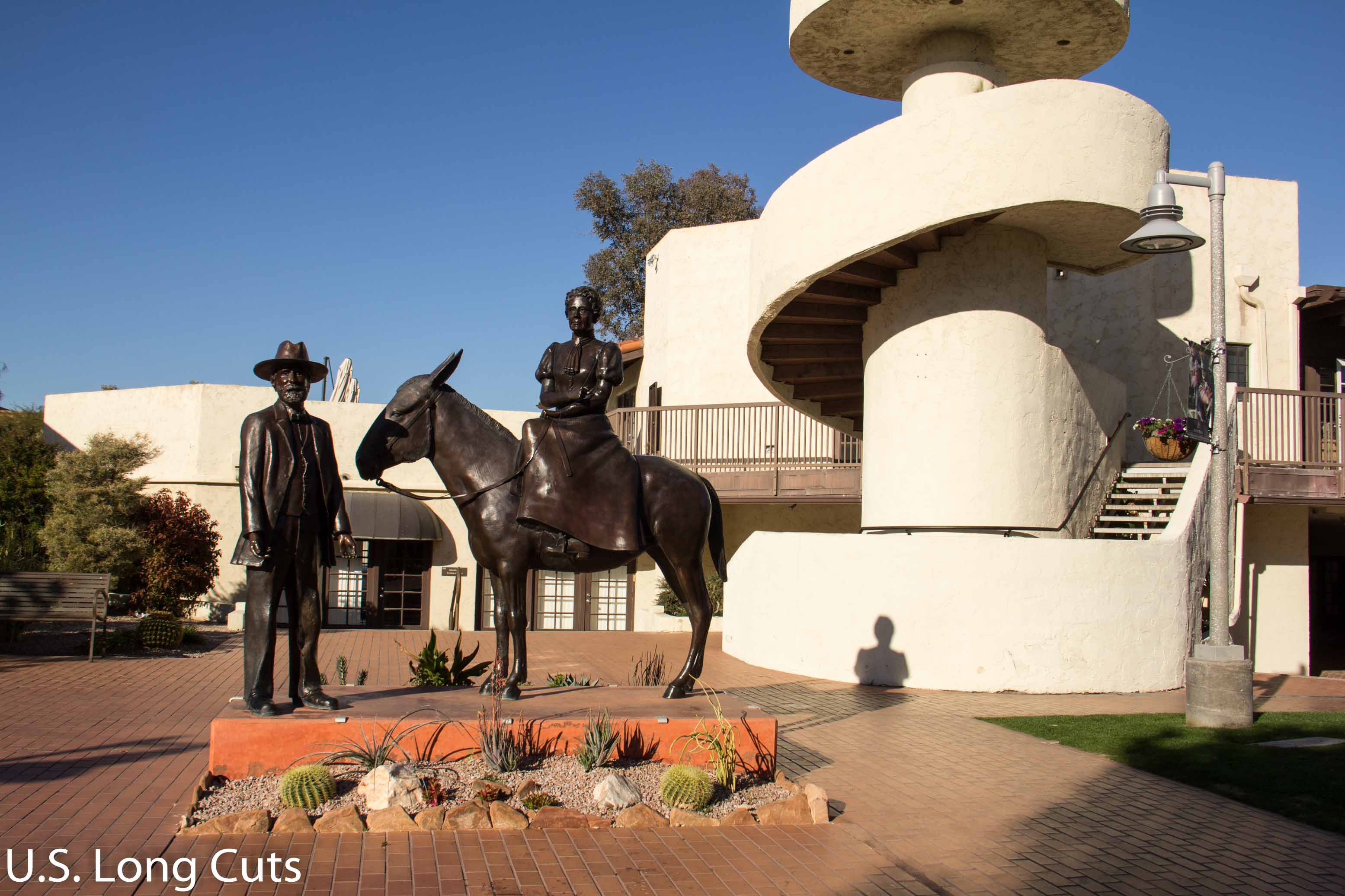 sculptures of Scottsdale founders
