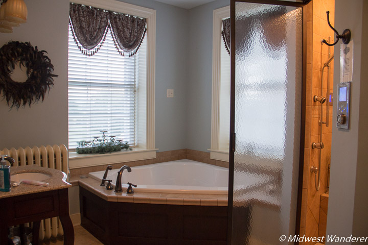 Bathroom in Red Umbrella Bed and Breakfast