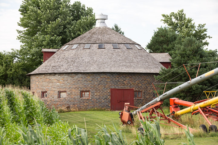 Round barn in Hamilton County Iowa