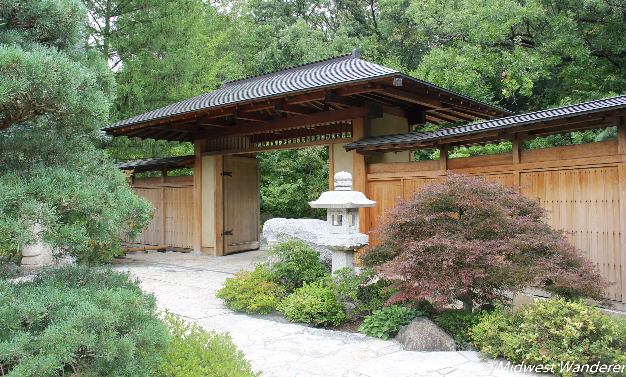 A stroll through anderson japanese gardens midwest wanderer for Japanese garden entrance