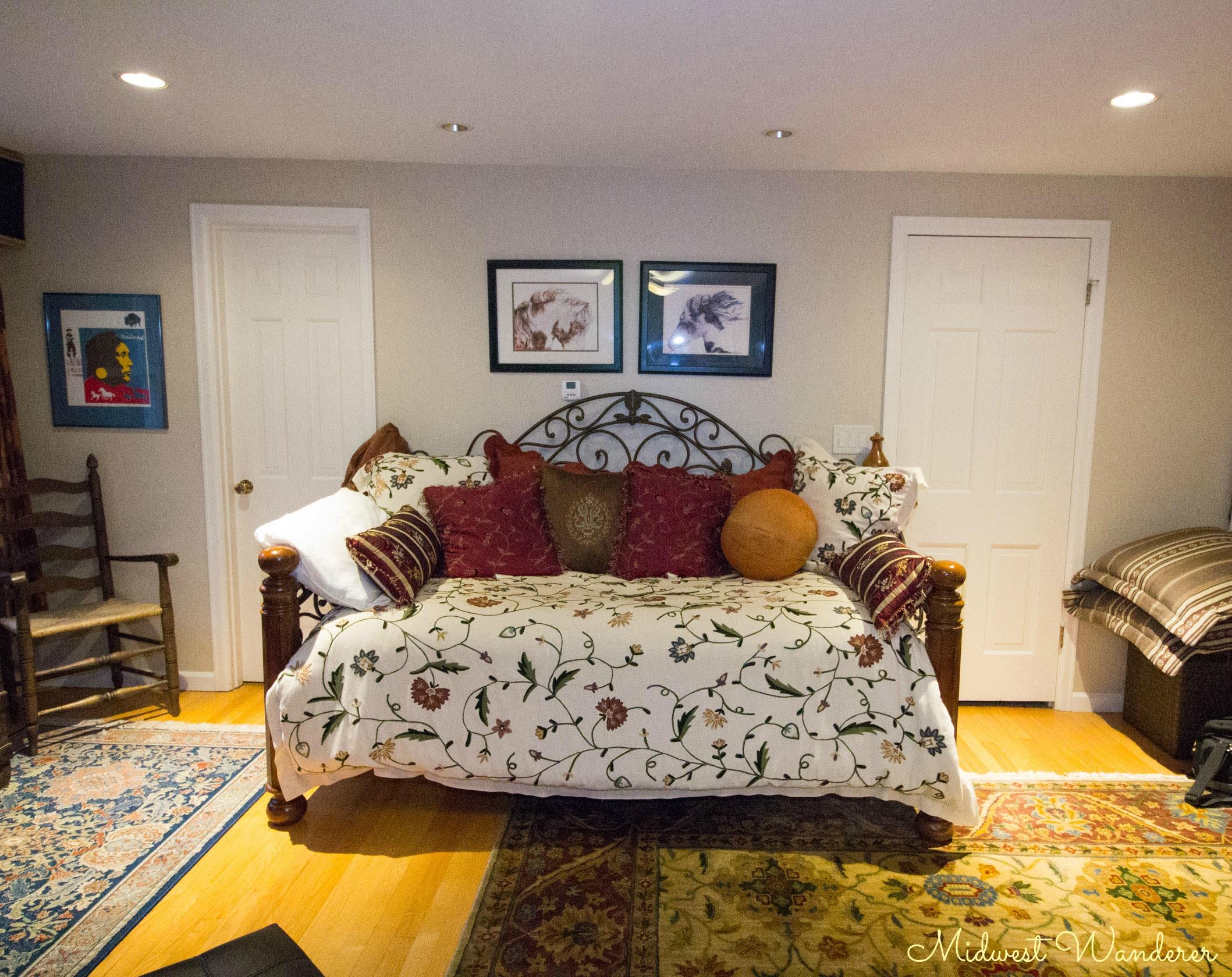 Seldom Scene Meadow Western Room daybed