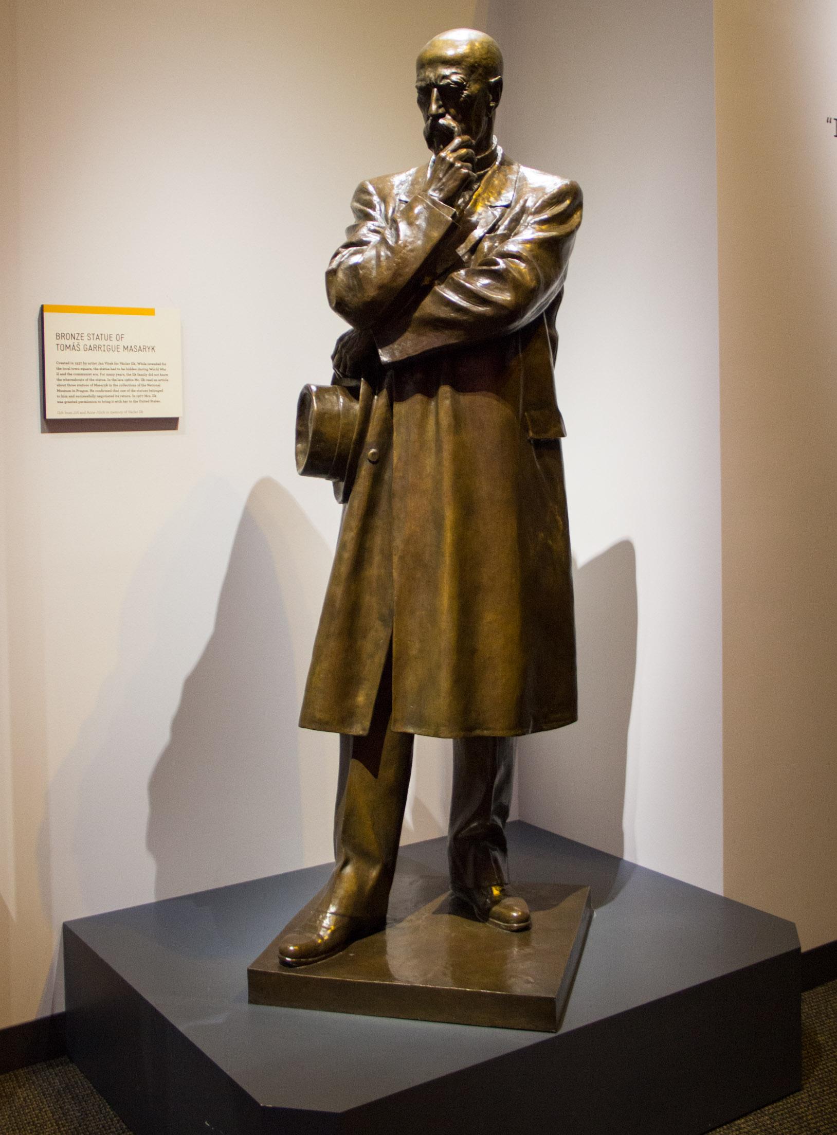 Tomáš Garrigue Masaryk statue