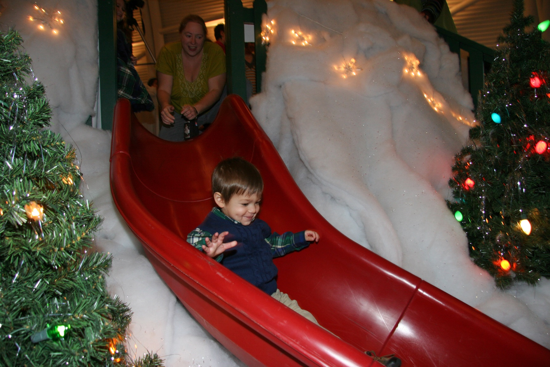 Indiana Welcome Center Celebrates \'A Christmas Story\' - Midwest Wanderer