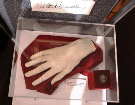 Robert Wadlow hand casting