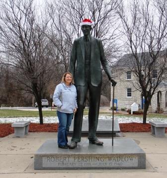 Wadlow statue, Alton Illinois