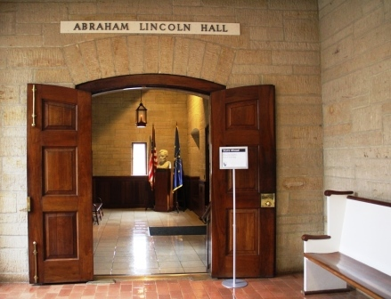Abraham_Lincoln_Hall_Entrance at the Lincoln Boyhood National Memorial