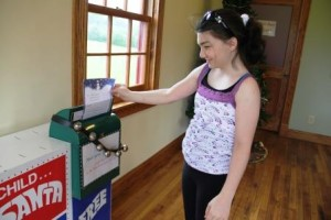 Mailing letter to Santa