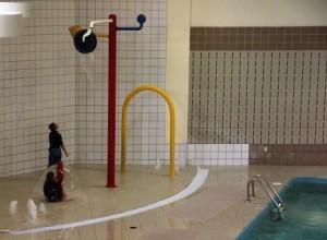 Pool splash pad
