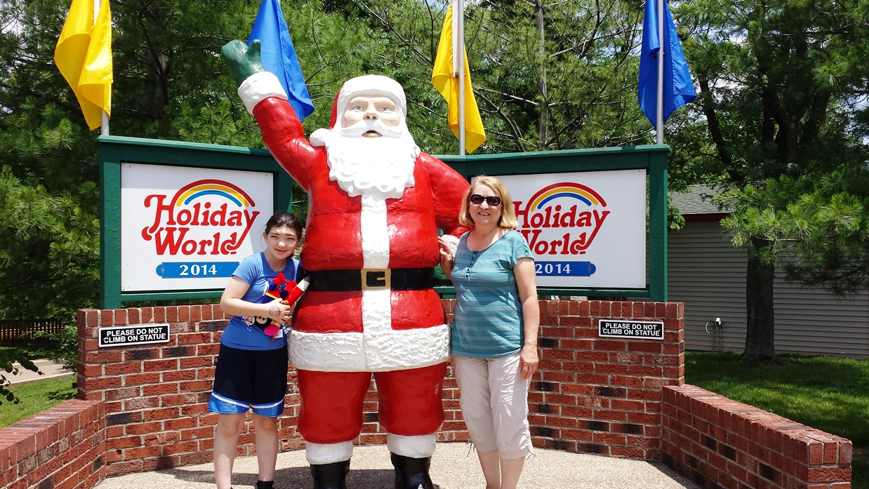 Holiday World Santa Claus Indiana Family Friendly Theme Park Midwest Wanderer