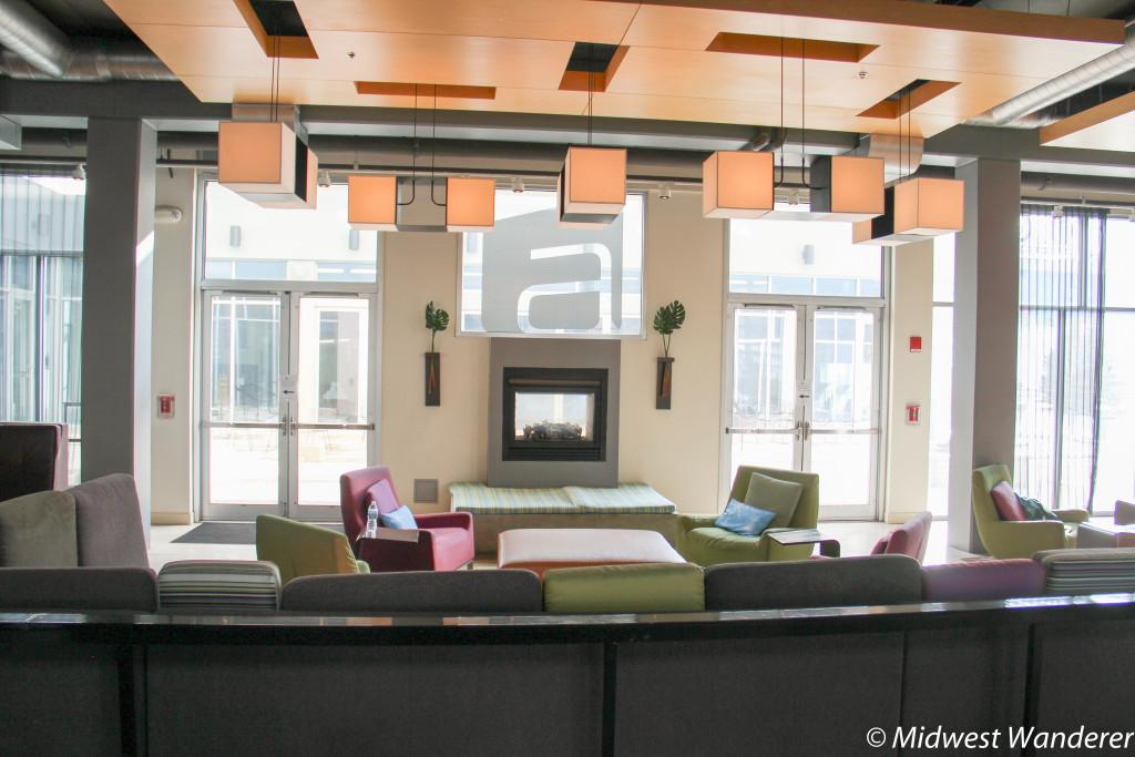 Aloft Chicago OHare Lounge