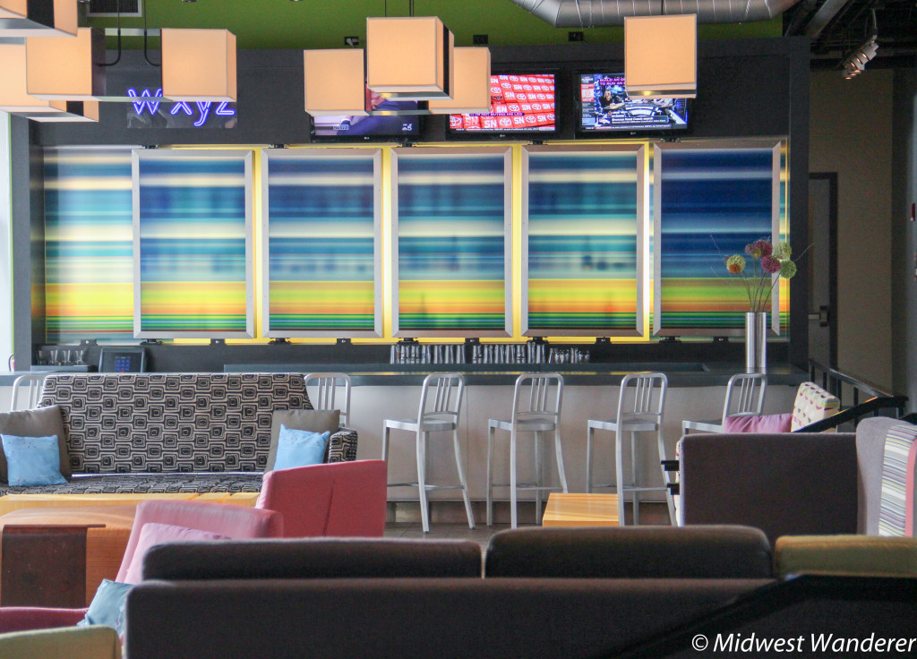 Daytime in the Aloft Chicago OHare remix
