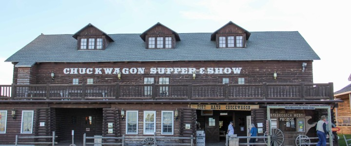 Old-Fashioned Western Fun: Fort Hays Chuckwagon Supper & Cowboy Music Show