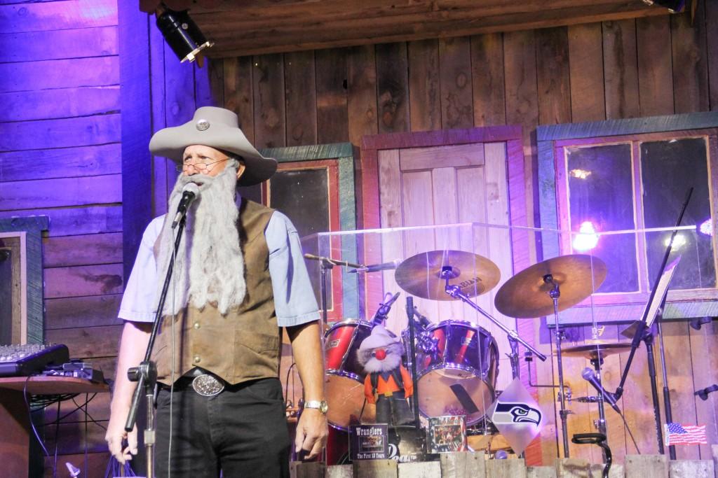 Music and comody at cowboy show