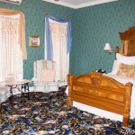 Kingsley Inn deluxe room