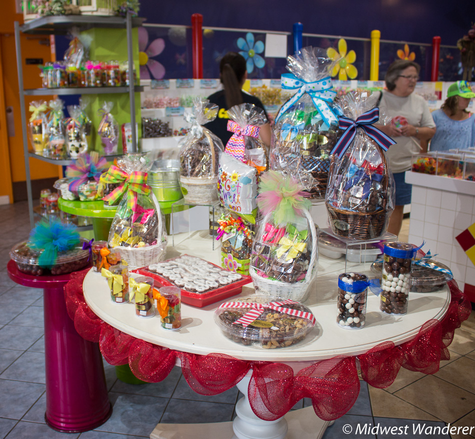 gift items at Albanese Candy Outlet