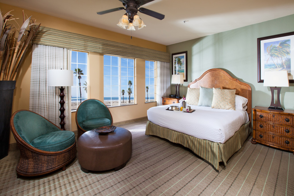 Embassy Suites Mandalay Beach room