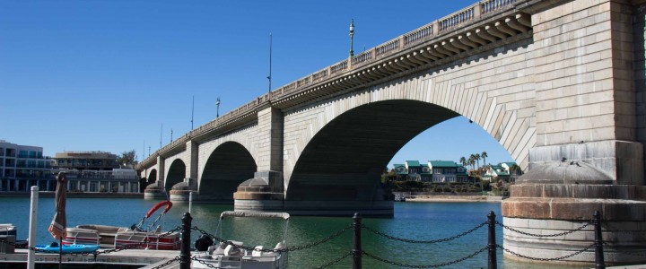 Lake Havasu City: London Bridge and Lighthouses