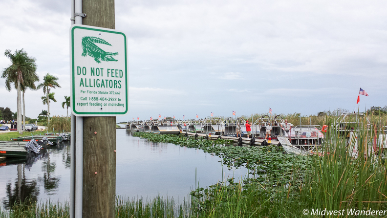 Do not feed sign