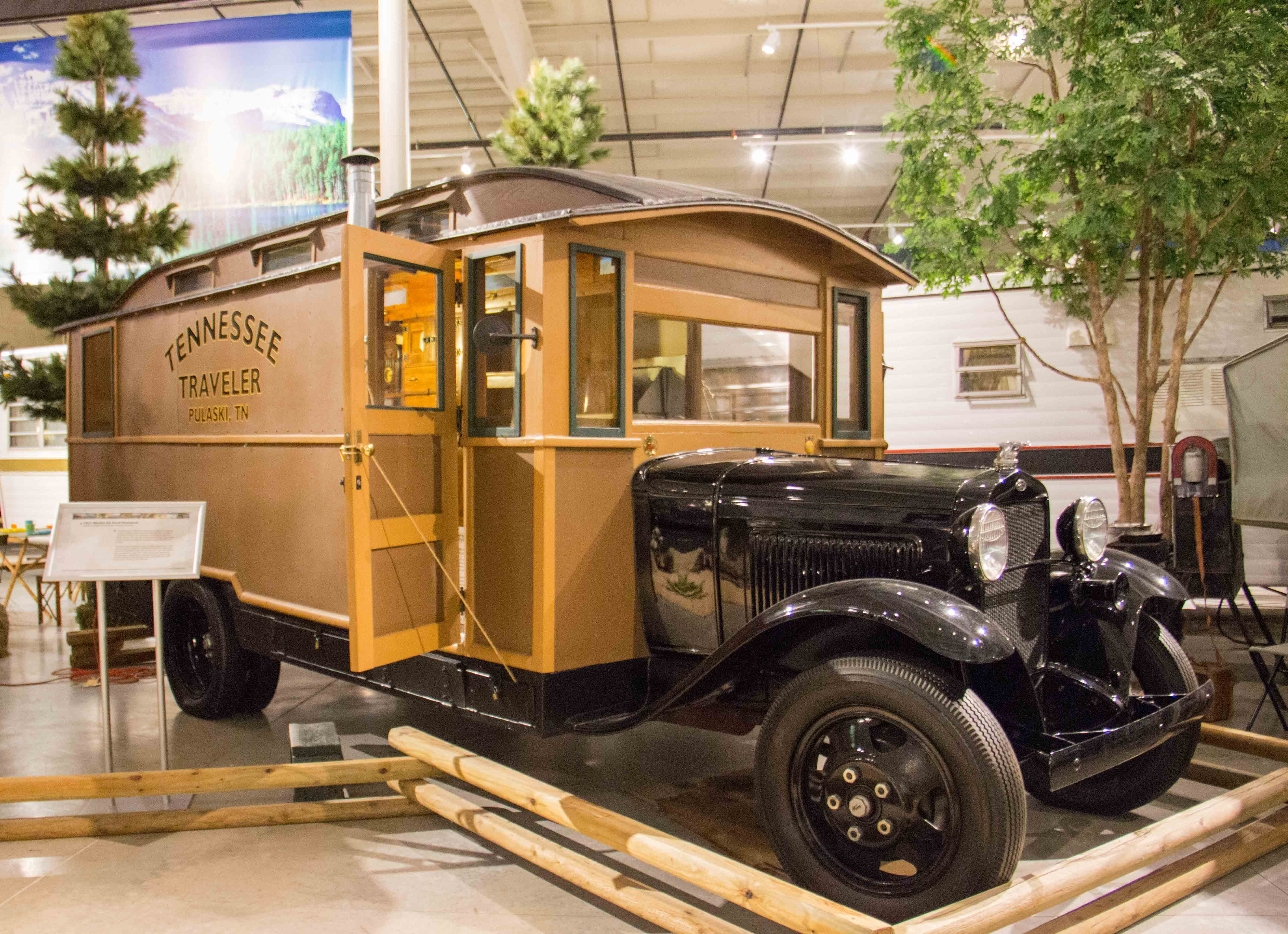Rv Mh Hall Of Fame Exhibits Campers Of Yesteryear Midwest Wanderer