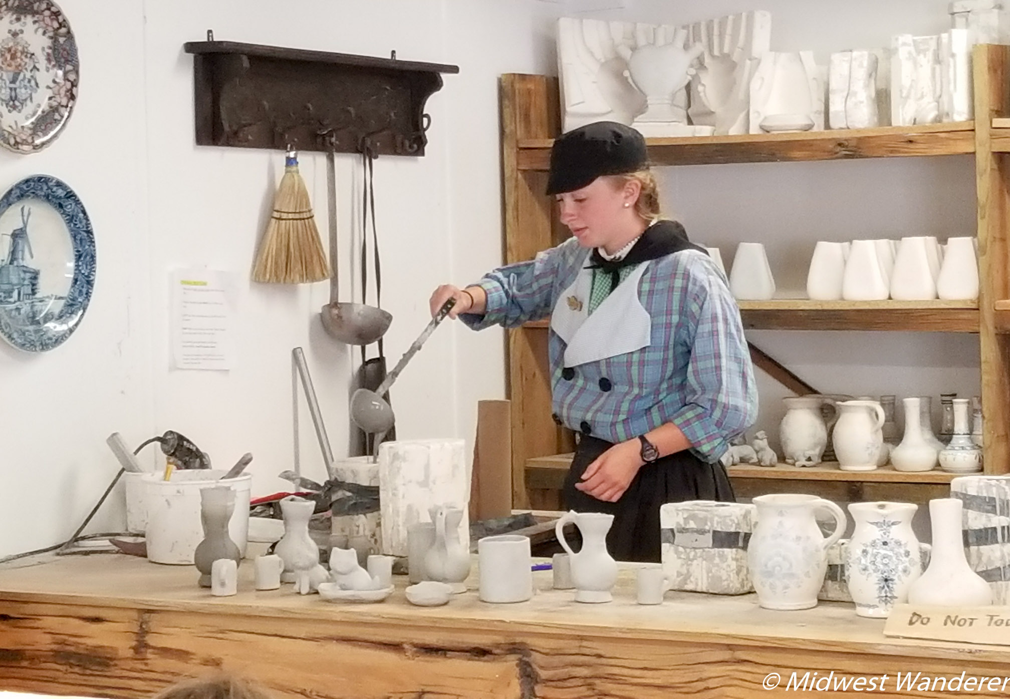 Dutch Village Delftware demonstration