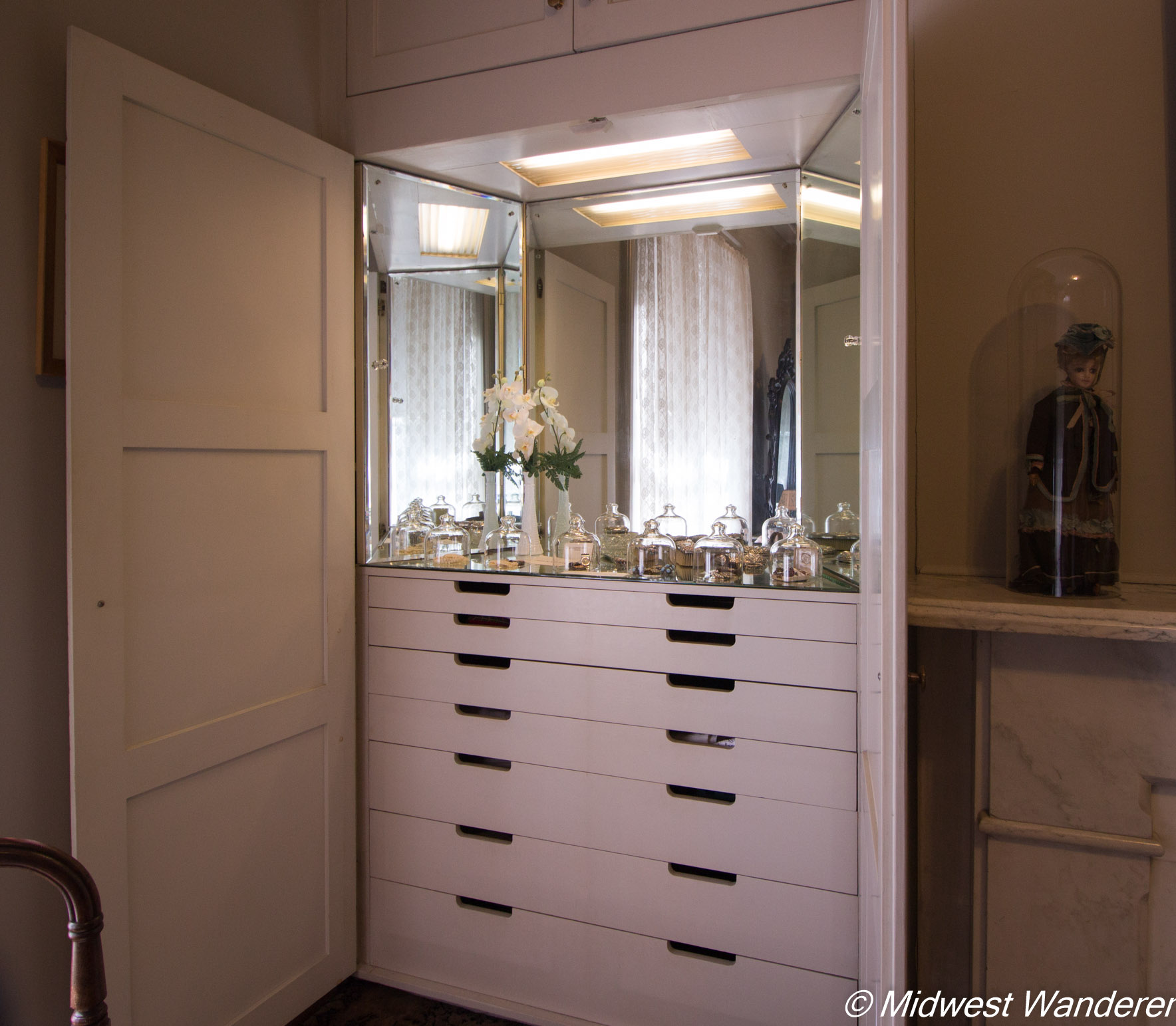 Pettengill-Morron House - dressing mirror