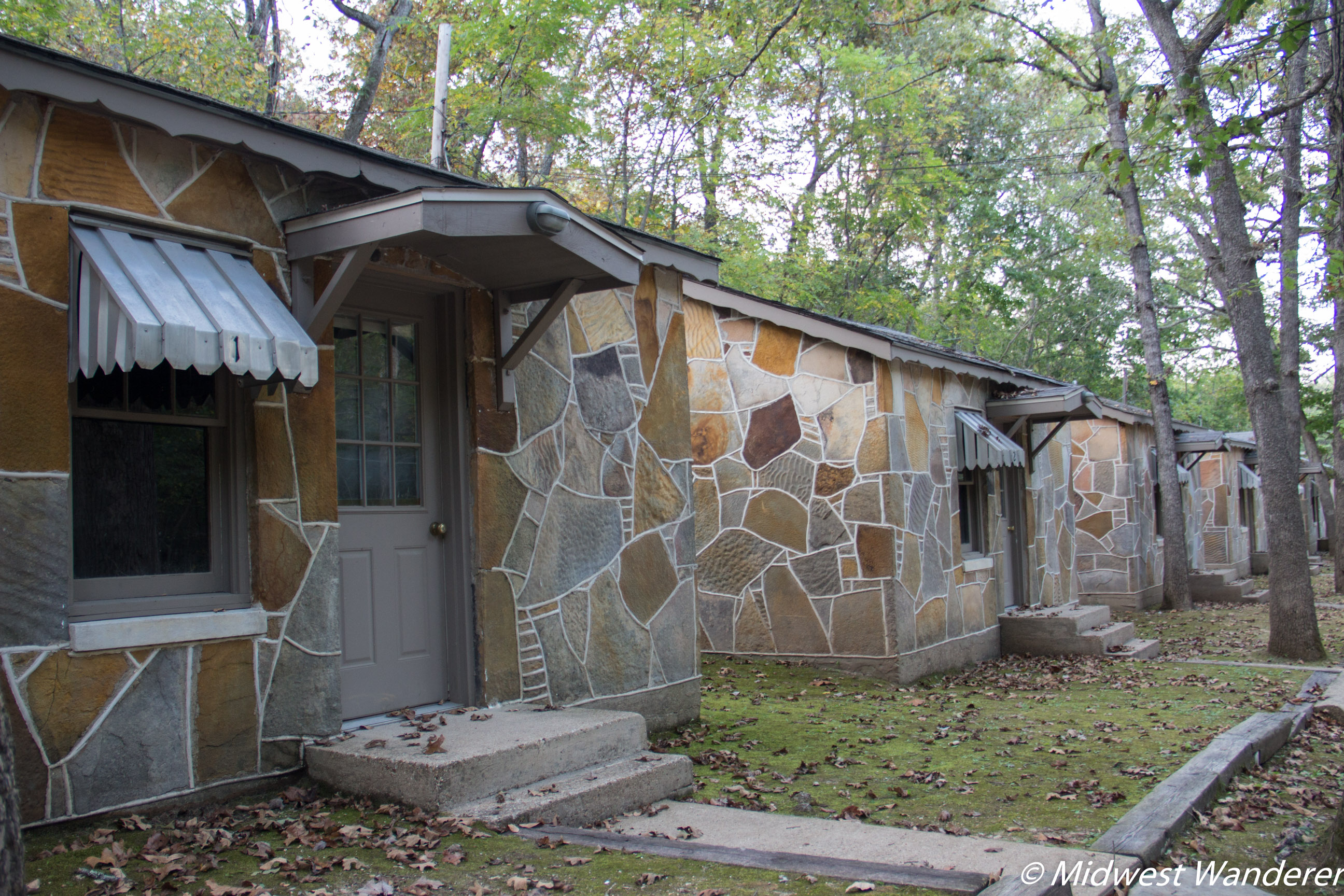Piney Beach Cabins along Route 66 in Pulaski County Missouri