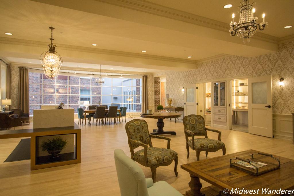 Stella Hotel and Ballroom lobby