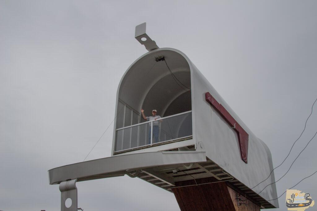 Worlds largest mailbox